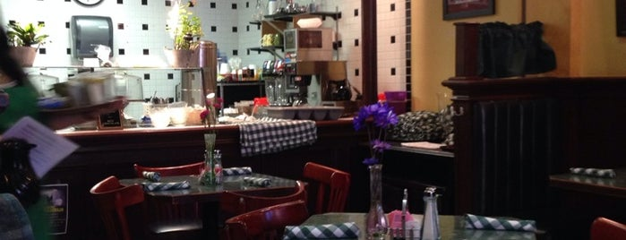 """""""B"""" Street Cafe is one of Orte, die PJ gefallen."""