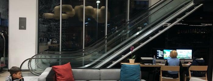 Hotel Novotel is one of Larissa : понравившиеся места.