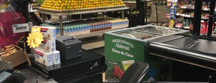 Dona de Casa Supermercados is one of Locais curtidos por Fernando Viana.