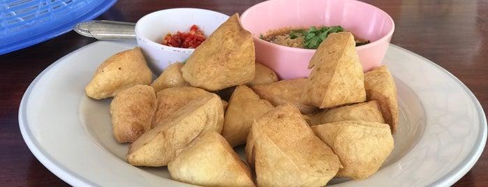 ผัดไทย100กะทะ is one of Pravit'in Beğendiği Mekanlar.