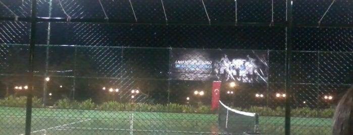 Olimpos Tennis Club is one of Lieux sauvegardés par Pelin.