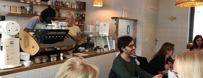 Café Oberkampf is one of Paris, je mange.