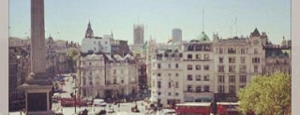 จัตุรัสทราฟัลการ์ is one of London's great locations - Peter's Fav's.