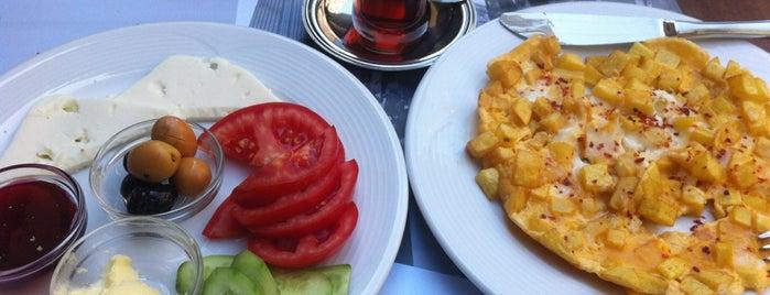Bahçe Cafe & Ev Yemekleri is one of Araştır / İncele.