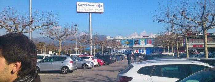 Carrefour is one of Lieux qui ont plu à Cristina.
