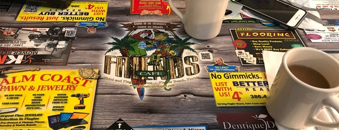 Friends Cafe is one of liz : понравившиеся места.