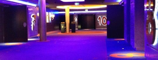 Cinema Pathé Westside is one of Lieux qui ont plu à Dasha.