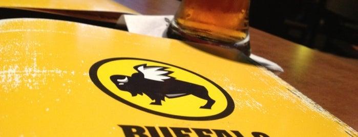 Buffalo Wild Wings is one of Lugares favoritos de Randal.