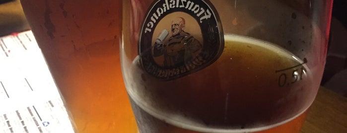 Black Wood Pub is one of Posti che sono piaciuti a meesikapp.