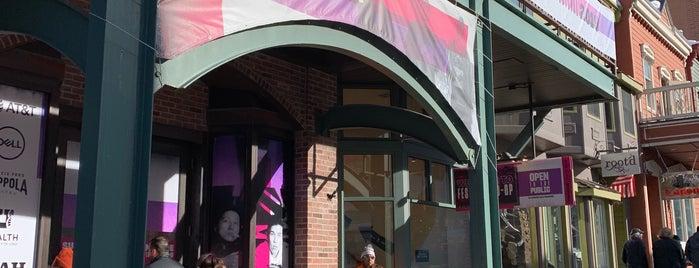 Sundance Festival Co-Op & Media Center is one of Locais curtidos por Terrell.