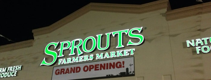 Sprouts Farmers Market is one of Lugares favoritos de Jacob.