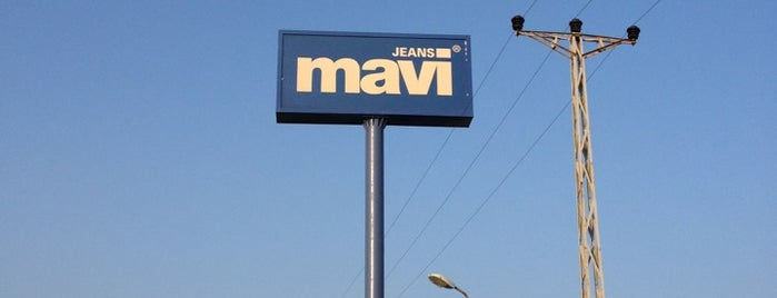 Mavi Jeans CK Fabrika is one of สถานที่ที่ Gökhan ถูกใจ.