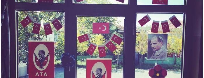 Işıklar İlkokulu is one of HANDE'nin Beğendiği Mekanlar.