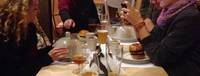 El Taller 'Handmade Burgers & Beers' is one of Colombia.