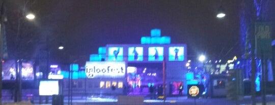 Igloofest is one of Orte, die Mitchell gefallen.