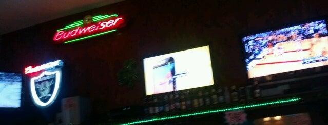 Quinn's Pub & Grill is one of Posti che sono piaciuti a Jason.