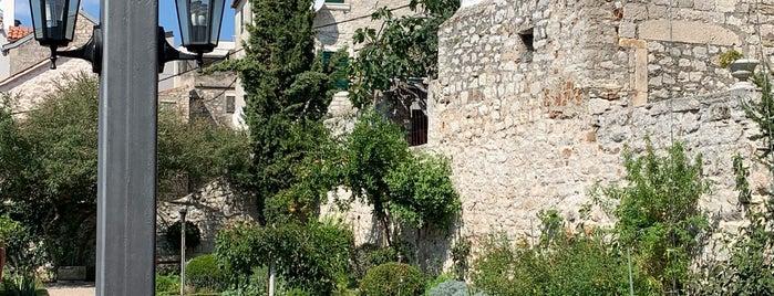 Mediteranski vrtovi, Sv. Lovre is one of Croatia.