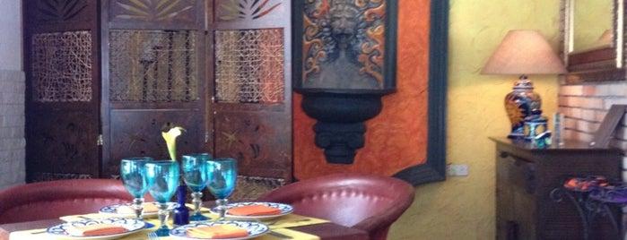 Restaurant Los Soles is one of Tempat yang Disukai Massiel.