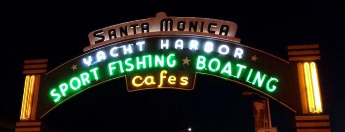 Santa Monica State Beach is one of Steven : понравившиеся места.
