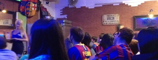 Snack 55 is one of Bar de futbol - complert.