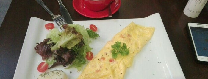 Snapdot Cafe is one of Penang Cafes.