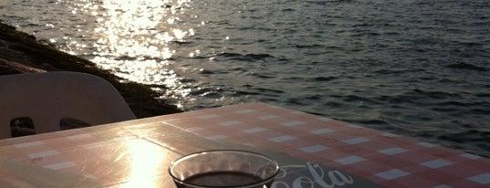 İnci Cafe is one of Lieux qui ont plu à Mehmet Ali.