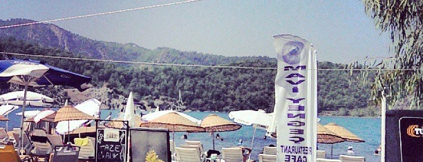 Mavi Yengec Restaurant Cafe Beach Bungalows is one of Marmaris.