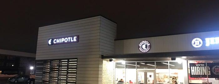 Chipotle Mexican Grill is one of Tempat yang Disukai David.