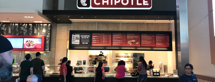 Chipotle Mexican Grill is one of Tempat yang Disukai Ivy.