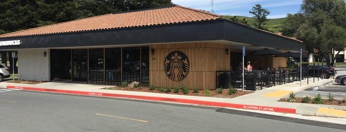 Starbucks is one of สถานที่ที่ Courtney ถูกใจ.