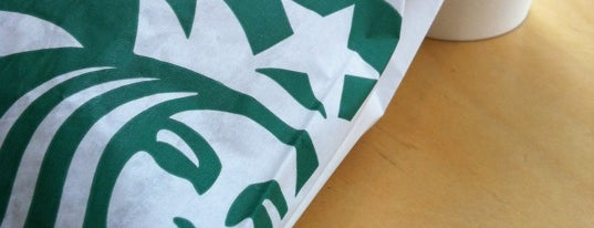 Starbucks is one of Locais curtidos por Benjamin.
