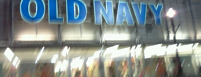 Old Navy is one of Lieux qui ont plu à Colin.