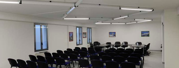 Felsina Business Center is one of ufficiarredati.