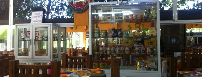 Fuente de Salud is one of สถานที่ที่บันทึกไว้ของ Flor.