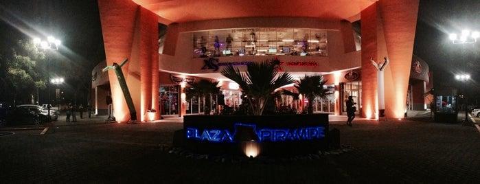 Plaza Pirámide is one of Posti che sono piaciuti a Elizabeth.
