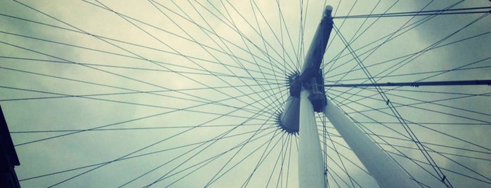 The London Eye is one of London Favorites.