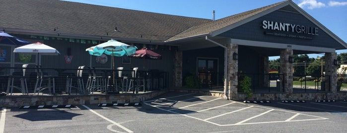 Shanty Grille is one of Lugares favoritos de Chrissy.