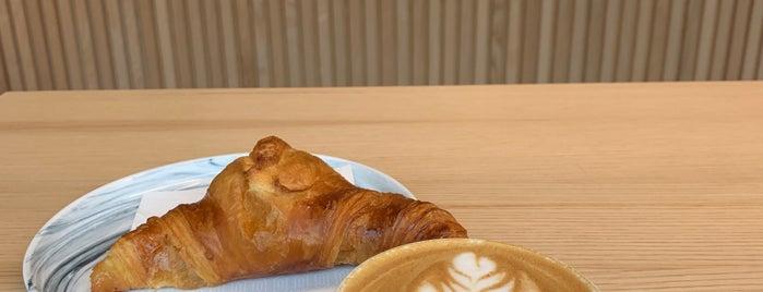 Neues Schwarz Kaffeebar is one of Posti che sono piaciuti a Mishutka.