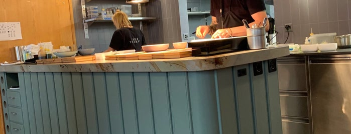 Restaurant Neue Taverne is one of Posti che sono piaciuti a Arne.