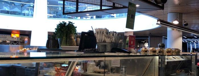 MLC Food Court is one of Orte, die Fran gefallen.