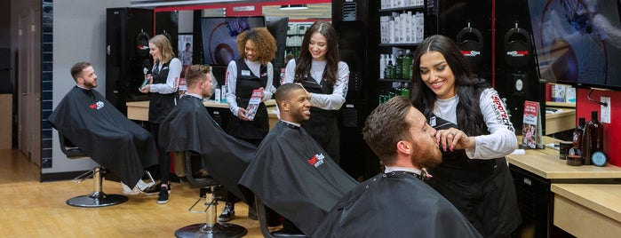 Sport Clips Haircuts of Hershey - Hummelstown is one of Tempat yang Disukai Jason.