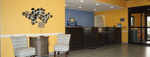 Days Inn & Suites Galveston West/Seawall is one of สถานที่ที่ Alexa ถูกใจ.
