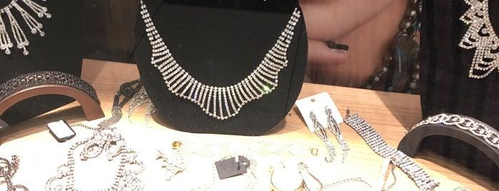Euro Moda is one of Locais curtidos por Gizem.