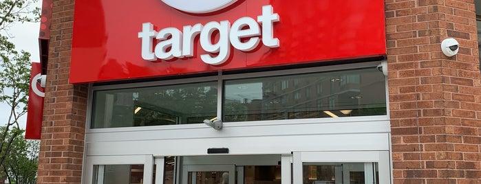 Target is one of Posti che sono piaciuti a Courtenay.