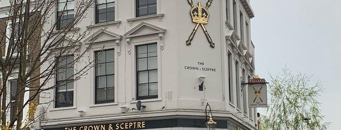 Crown & Sceptre is one of Lugares favoritos de Carl.