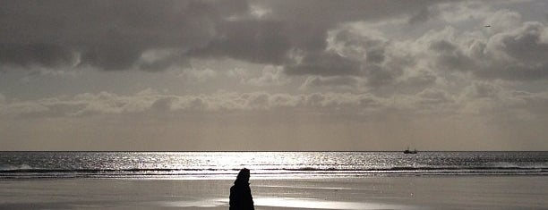 Portmarnock Beach is one of Lugares favoritos de Ricardo.