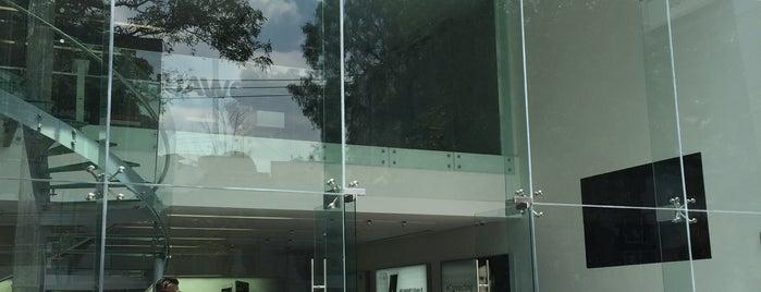 Huawei Store is one of Isaac 님이 좋아한 장소.