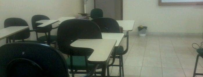 Faculdade de Saúde Ibituruna - FASI is one of Carlos : понравившиеся места.