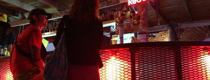 Zapravka Bar is one of Lugares favoritos de Maxim.
