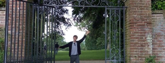 Hidcote Manor Garden is one of Elliottさんのお気に入りスポット.